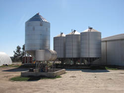 http://jonova.s3.amazonaws.com/politics/thompsons/unused-sheds-silos-sml.jpg
